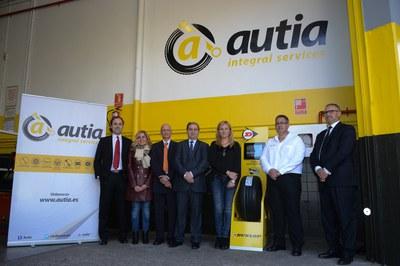 El taller Neumáticos Martín Rius es el primero del grupo que ha adoptado la nueva imagen de Autia (foto: Localpres).