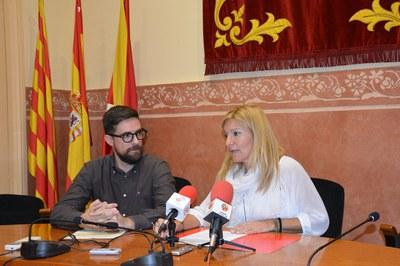 La alcaldesa y el concejal de Servicios Centrales han presentado la propuesta de ordenanzas fiscales del equipo de gobierno.