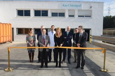 Momento en que se ha inaugurado oficialmente la nueva planta de Kao Chimigraf (foto: Localpres).