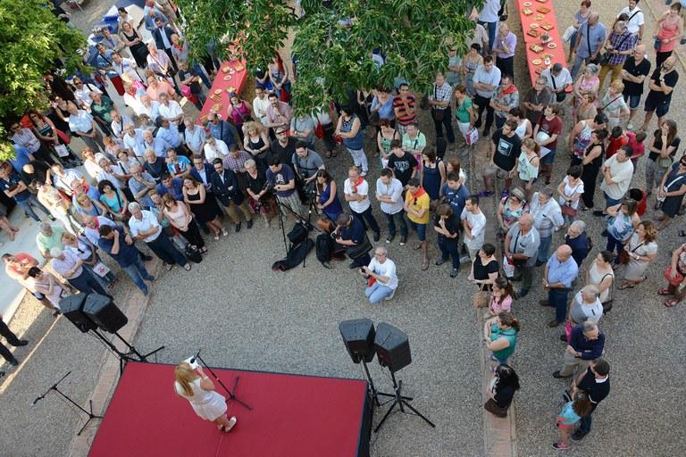 Más de 200 personas han asistido a la tradicional recepción de entidades de Fiesta Mayor (foto: Localpres)