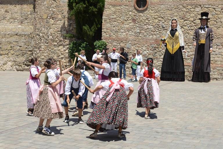 Baile de la Escola de l'Esbart (foto: Localpres)