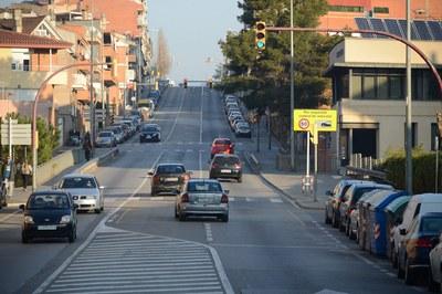 La avenida Estatut actualmente es una carretera por donde circula un gran número de vehículos.