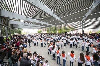 La Rambla del Ferrocarril se ha llenado de danza (foto: Ayuntamiento de Rubí – Lali Puig).