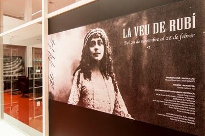 Mercè Plantada protagoniza una exposición en la Biblioteca (foto: Gestió Cultural).