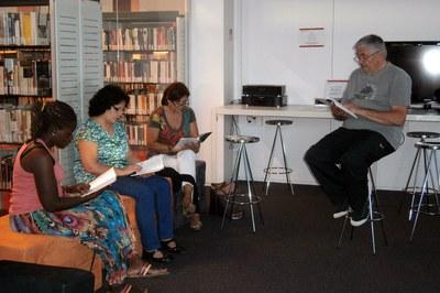 Club de lectura fácil en catalán en el marco del Voluntariat per la Llengua.