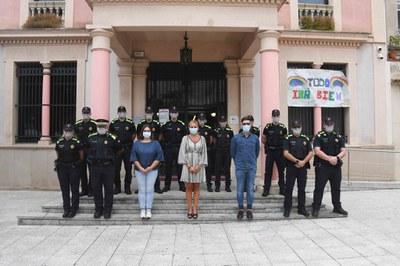 La alcaldesa ha dado la bienvenida a los agentes (Foto: Ajuntament/Localpres).