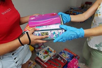 Los juguetes de segunda mano aportados a la campaña debían estar en buen estado y no debían ser ni bélicos ni sexistas (foto: Ayuntamiento de Rubí).