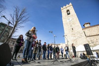 Lectura del manifiesto (foto: Ayuntamiento - Lali Puig)