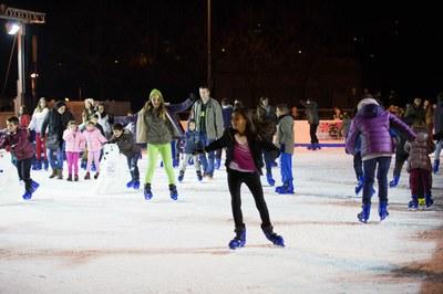 La pista de hielo ha atraído a más de 9.200 patinadores (foto: Localpres).