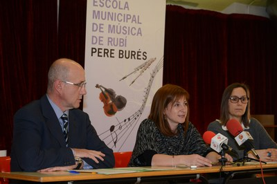 Xavier Galí, Marta Garcia y Montse Martí han presentado los actos del 35º aniversario ante los medios de comunicación (foto: Localpres).