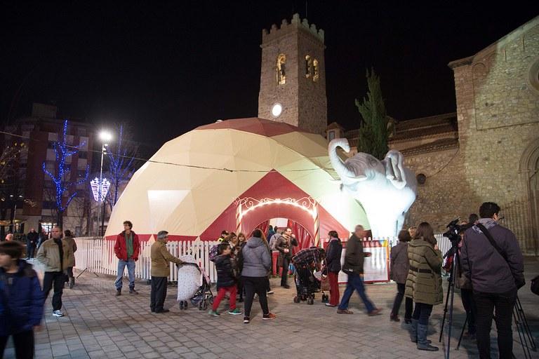 La carpa de actividades es el centro de la feria (foto: Localpres)