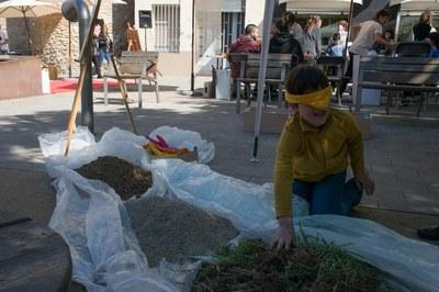 Los niños han podido experimentar a través de la actividad 'Toca terra' (foto: Localpres)
