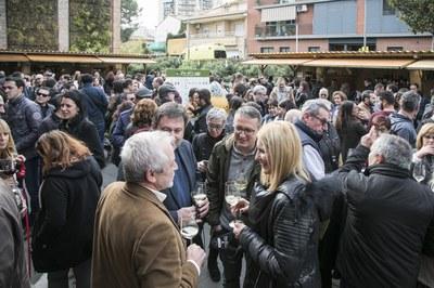 La Feria del Vino llena cada año los alrededores de El Celler (foto: Lali Puig).