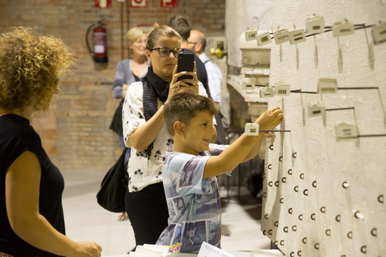 Algunas obras piden interactuar con el público (foto: Localpres)