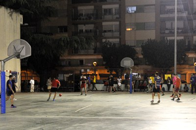 Los partidos han tenido lugar en el patio de la escuela Montesori.