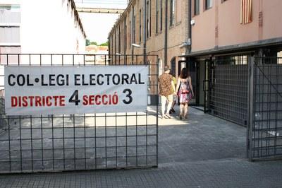 Rubinenses entrando a votar.