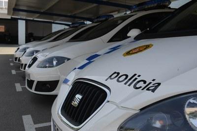 Los agentes han detenido a los jóvenes como presuntos autores de un delito contra la salud pública (foto: Localpres).