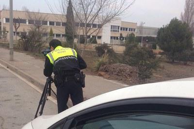 La Policía Local instala el radar móvil tanto en el casco urbano como en la C-1413a y en la BP-1503, en aquellos tramos de competencia municipal.