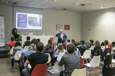 El encuentro entre la Síndica y los consejeros y consejeros ha tenido lugar en la Bibliotaca (foto: Ayuntamiento de Rubí - Lali Puig).