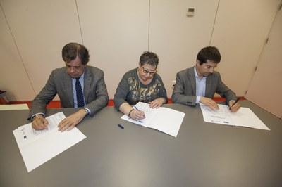 La firma del convenio ha tenido lugas este miércoles (Foto: Localpres).