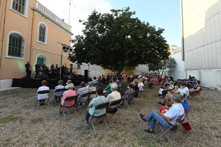 Concierto de sardanas (foto: Ayuntamiento de Rubí - Localpres)
