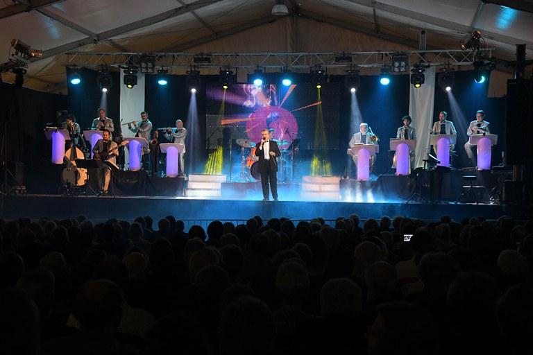 Baile de sociedad (foto: Ayuntamiento de Rubí - Localpres)