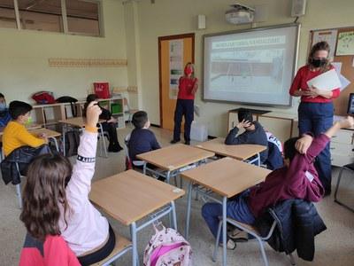 Las Agentes por el Civismo llevan su trabajo en las escuelas (Ayuntamiento).
