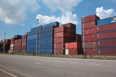 La OSE impulsa por quinto año consecutivo un proyecto para aquellas empresas que quieren iniciarse en la exportación (foto: Freepik).