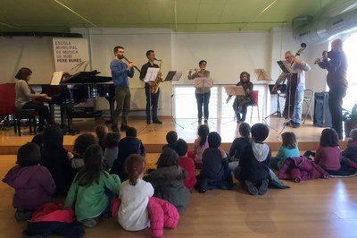 a Escuela Municipal de Música está ubicada en el Escardívol.