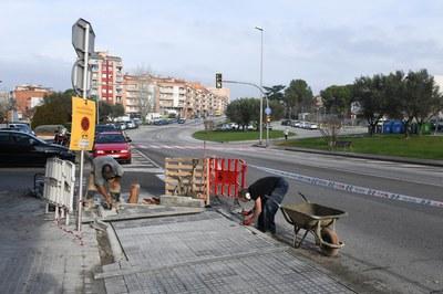 Obras de mejora en la parada Agricultura (foto: Ayuntamiento de Rubí - Localpres).