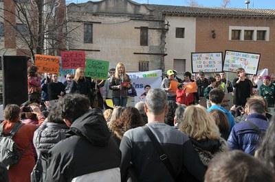 La alcaldesa, acompañada de representantes de entidades y servicios del ámbito de la diversidad funcional (foto: Ayuntamiento de Rubí - Localpres).