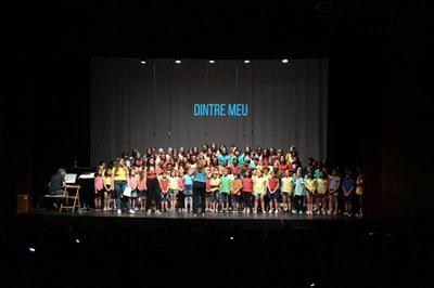 Un momento del espectáculo de jueves a La Sala (foto: Ayuntamiento – Localpres).