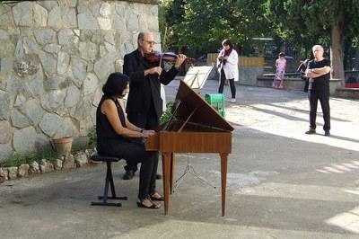 Los rubinenses pueden encontrar instrumentos en diferentes lugares de la ciudad (foto: Escuela Municipal de Música Pere Burés).