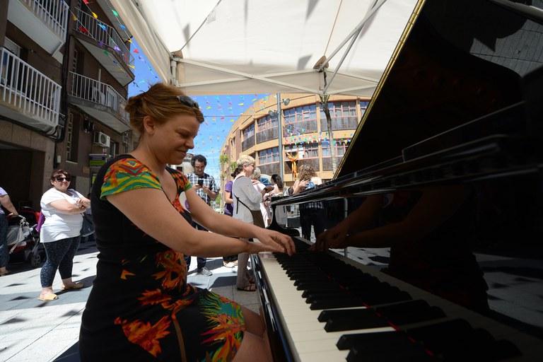 El piano de cola ha sido la gran atracción de la jornada (foto: Localpres)