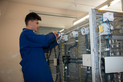 La inscripción al Garantía Juvenil permite acceder en los programas formativos y de ocupación del Rubí Forma (foto: Localpres).
