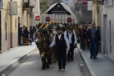 La tradición marca el desfile de los Tres Tombs (foto: Localpres)