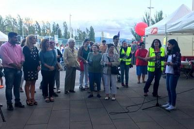 La alcaldesa y los concejales han escuchado el manifiesto del Consejo de los Niños (foto: Localpres)
