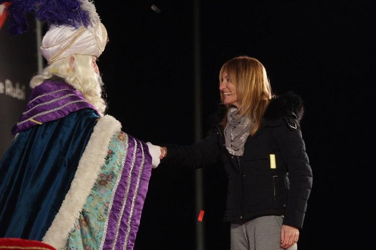 La alcaldesa ha dado la bienvenida a los Reyes (foto: Localpres)