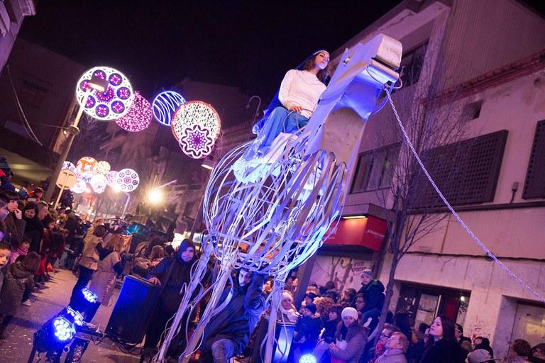 El espectáculo acompaña a los Reyes (foto: Localpres)