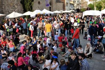 La plaza del Doctor Guardiet ha registrado una gran afluencia de rubinenses (foto: Localpres).