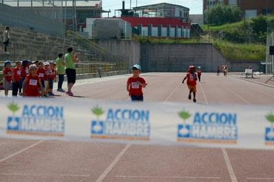Alumnos de infantil y primaria han participado en la carrera (foto: Localpres)