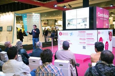 El coordinador de Rubí Brilla, Ángel Ruiz, durante su exposición (foto: Localpres).
