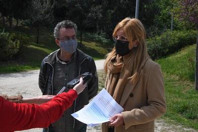 La alcaldesa y el concejal, durante la presentación de la programación (foto: Ayuntamiento de Rubí - Localpres).