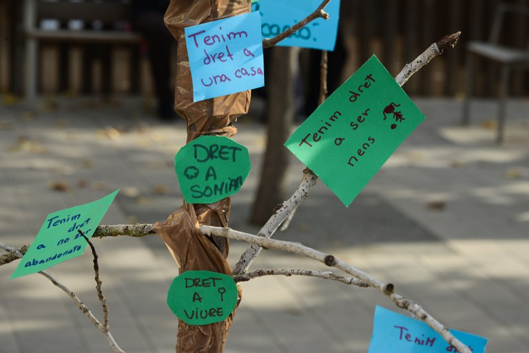 Árbol de los derechos (foto: Localpres)