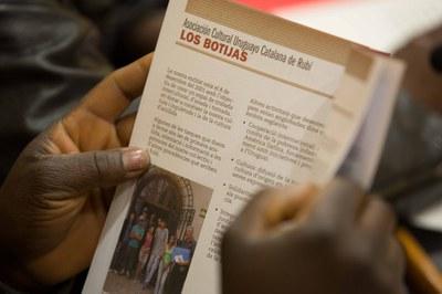 El Ayuntamiento de Rubí ha editado un millar de ejemplares de la Guía de entidades de Cooperación (foto: Localpres)