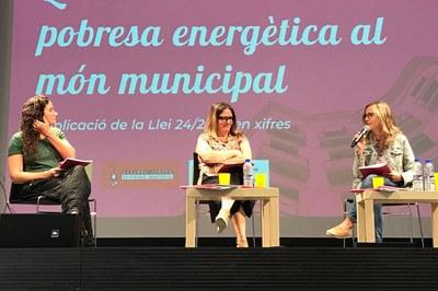 La concejala, durante su intervención en la jornada (foto: Ayuntamiento de Rubí).