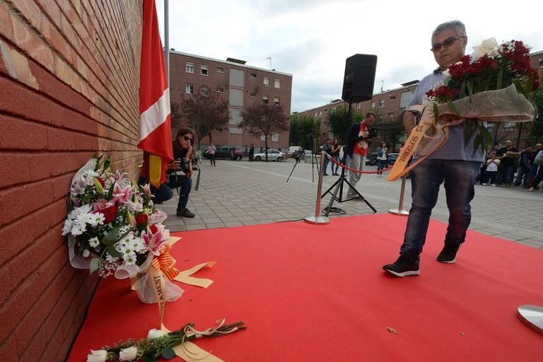 Ofrenda floral del Club Joventut 25 de Setembre (foto: Localpres)