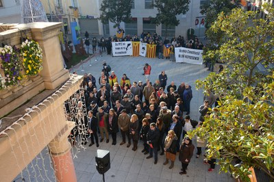 La conmemoración del Día de la Constitución ha tenido lugar en la plaza Pere Aguilera (foto: Localpres).