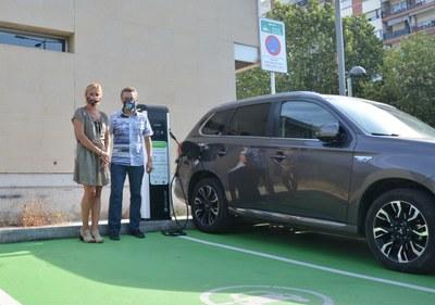 Rubí cuenta con dos nuevos puntos de recarga de coches eléctricos.