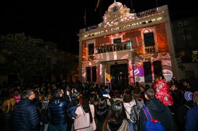 La proyección de un 'mapping' ha sido una de las novedades del encendido de luces de este año (foto: Ayuntamiento de Rubí - Lali Puig).